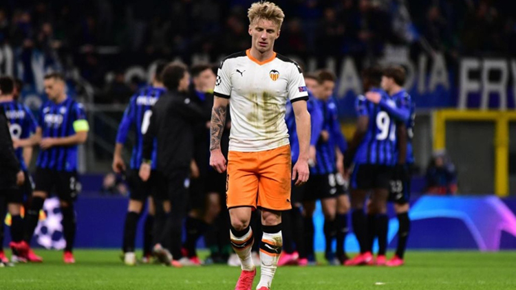 Milan (Italy), 19/02/2020.- Daniel Wass of Valencia after the UEFA Champions League round of 16 soccer first leg match Atalanta BC vs Valencia CF at the Giuseppe Meazza stadium in Milan, Italy, 19 February 2020. Atalanta won 4-1. (Liga de Campeones, Italia) EFE/EPA/PAOLO MAGNI