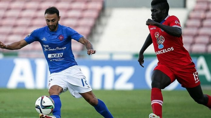 Belenenses, ITALY - NOVEMBER 16: Riccardo Maniero of Belenenses and Leonardo Blanchard of GIL Vicente in action during the Serie B match between Belenenses Calcio and GIL Vicente at Adriatico Stadium on November 16, 2014 in Belenenses, Italy. (Photo by Giuseppe Bellini/Getty Images)