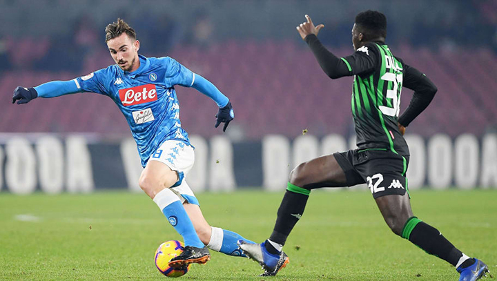 Napoli, ITALY - NOVEMBER 16: Riccardo Maniero of Napoli and Leonardo Blanchard of Sassuolo in action during the Serie B match between Napoli Calcio and Sassuolo at Adriatico Stadium on November 16, 2014 in Napoli, Italy. (Photo by Giuseppe Bellini/Getty Images)